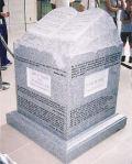 482px-roy_moores_ten_commandments_monument[1]
