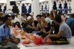malaysia-muslims-at-ramadan[1]