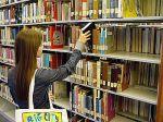 350px-SanDiegoCityCollegeLearingRecourceCity-bookshelf[1]