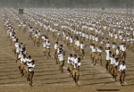 volunteers-of-hindu-nationalist-organization-rashtriya-swayamsevak-sang[1]
