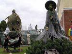 250px-Halloween_Witch_2011[1]